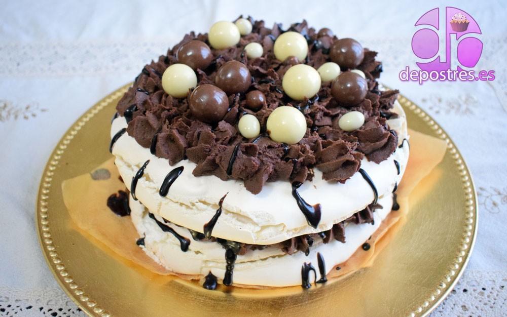 TARTA PAVLOVA DE CHOCOLATE